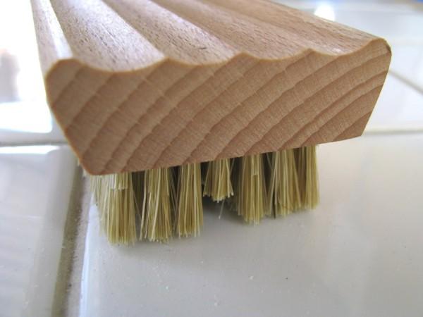 Nagelbürste mit Seifenablage